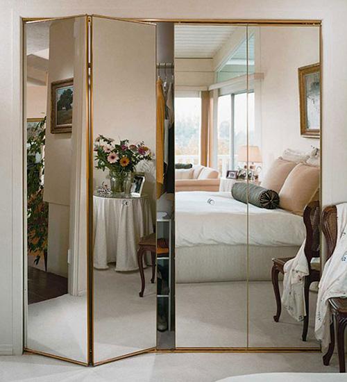 Складные зеркальные двери купе для шкафа