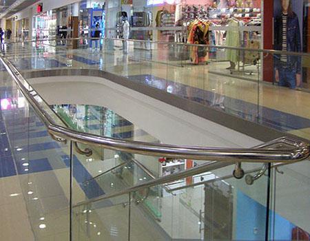 Ограждение атриумов, лифтов, лестниц